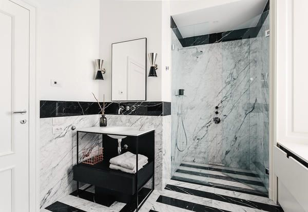 Arredamento in stile inglese e design italiano per un appartamento