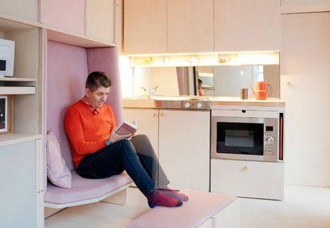 Un mini appartamento di 13 metri quadri a londra for Quadri per appartamento