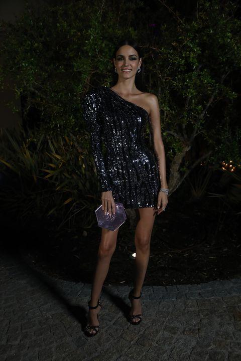 Clothing, Shoulder, Dress, Fashion, Beauty, Cocktail dress, Joint, Leg, Model, Photography,