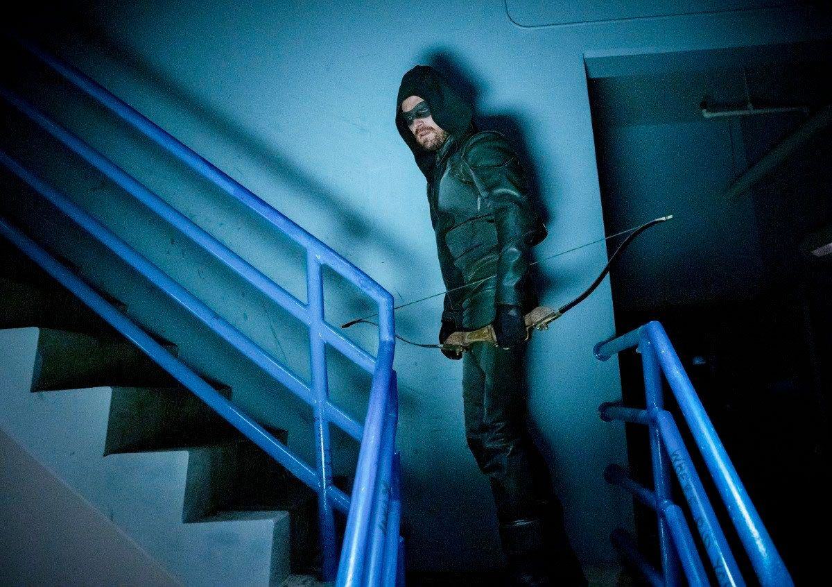 Arrow star Stephen Amell hints at tragedy in new season 8 photo