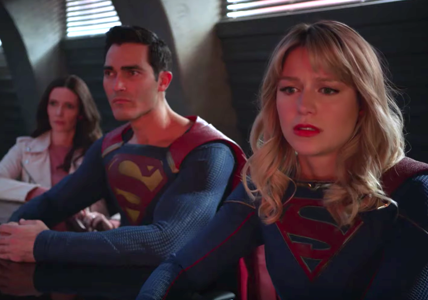 Watch Arrowverse heroes die in the first full-length trailer for 'Crisis on Infinite Earths'