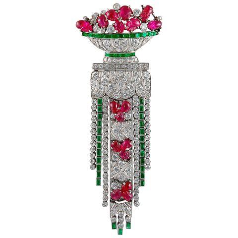 Jewellery, Emerald, Gemstone, Fashion accessory, Ruby, Engagement ring, Diamond,