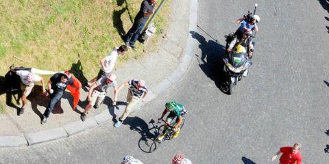 Wheel, Bicycle tire, Bicycle wheel, Bicycle wheel rim, Bicycle frame, Bicycle handlebar, Bicycle part, Bicycle, Cycling, Road cycling,