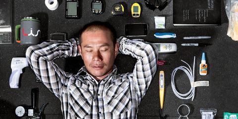 Electronic device, Dress shirt, Technology, Electronics, Gadget, Audio accessory, Multimedia, Electronic engineering, Cameras & optics,
