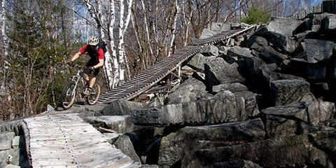 Bicycle frame, Bicycle wheel, Mountain bike, Bicycle clothing, Bicycles--Equipment and supplies, Bicycle tire, Mountain biking, Bicycle, Bicycle wheel rim, Outdoor recreation,