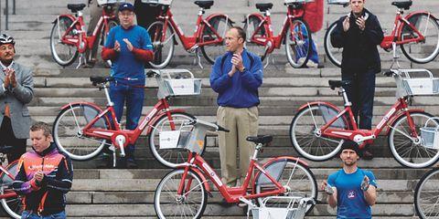 Tire, Wheel, Bicycle tire, Bicycle wheel, Bicycle frame, Bicycle wheel rim, Bicycle, Land vehicle, Bicycle part, Bicycle fork,