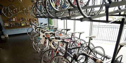 Bicycle tire, Wheel, Bicycle wheel rim, Bicycle frame, Mode of transport, Bicycle wheel, Bicycle handlebar, Bicycle part, Bicycle, Bicycle accessory,