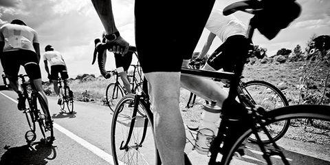 Tire, Bicycle tire, Wheel, Bicycle wheel, Bicycle wheel rim, Bicycle frame, Bicycle, Land vehicle, Recreation, Bicycle part,