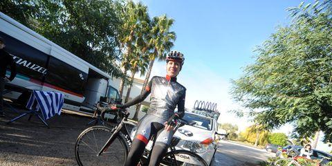 Tire, Bicycle tire, Wheel, Bicycle frame, Bicycle wheel, Bicycle wheel rim, Bicycle, Land vehicle, Bicycle handlebar, Bicycle fork,