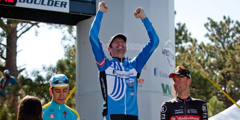 Sports uniform, Sportswear, Jersey, Recreation, Cycling shorts, Bicycles--Equipment and supplies, Competition event, Bicycle clothing, Championship, Bicycle jersey,