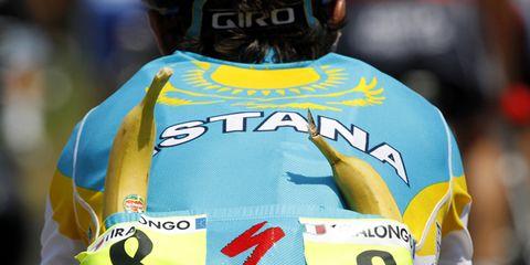 Yellow, Sleeve, Sportswear, Jersey, Sports uniform, Back, Uniform, World, Sports jersey, Bicycle jersey,