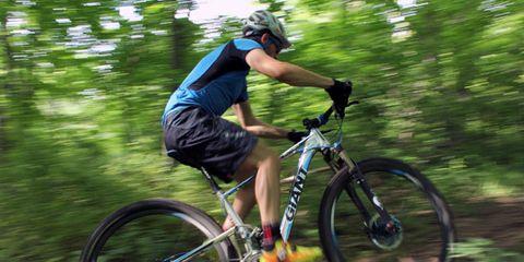 Tire, Bicycle frame, Wheel, Bicycle wheel, Bicycle tire, Bicycle fork, Bicycle wheel rim, Bicycle handlebar, Bicycle, Mountain bike,