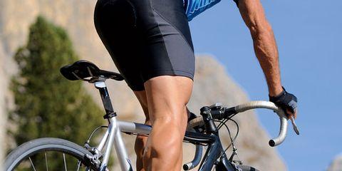 Tire, Bicycle tire, Wheel, Bicycle wheel, Bicycle frame, Bicycle wheel rim, Bicycle handlebar, Bicycle part, Bicycle, Bicycle fork,