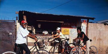 Wheel, Tire, Bicycle wheel, Bicycle wheel rim, Mode of transport, Bicycle tire, Bicycle, Bicycle frame, Spoke, Community,
