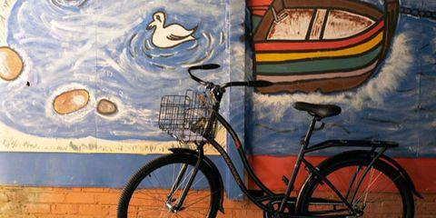 Tire, Wheel, Bicycle wheel rim, Bicycle tire, Bicycle wheel, Bicycle fork, Bicycle accessory, Bicycle, Bicycle saddle, Bicycle frame,