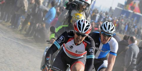Eyewear, Tire, Bicycle jersey, Helmet, Bicycles--Equipment and supplies, Bicycle helmet, Vision care, Sportswear, Personal protective equipment, Sports equipment,