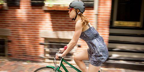 Bicycle frame, Bicycle tire, Tire, Wheel, Bicycle wheel rim, Bicycle wheel, Bicycle handlebar, Bicycle fork, Bicycle, Helmet,