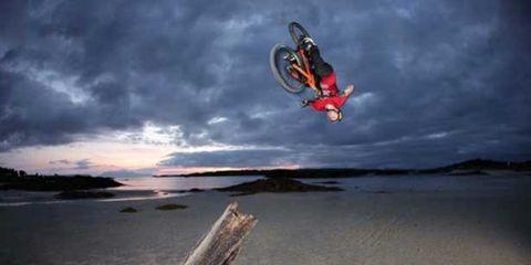 Nature, Landscape, Atmosphere, Horizon, Stunt performer, Extreme sport, Shore, Coast, Stunt, Wind,