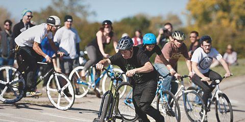 Wheel, Tire, Bicycle tire, Bicycle wheel, Bicycle frame, Bicycle wheel rim, Bicycle handlebar, Bicycle fork, Bicycle, Helmet,
