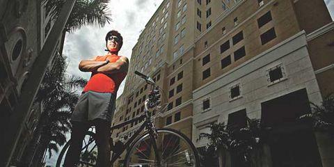 Bicycle tire, Bicycle frame, Wheel, Bicycle wheel, Bicycle wheel rim, Bicycle fork, Window, Bicycle, Bicycle part, Bicycle handlebar,