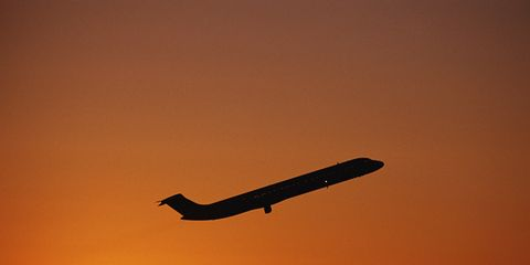 Airplane, Sky, Aircraft, Sun, Airliner, Flight, Atmosphere, Air travel, Airline, Narrow-body aircraft,