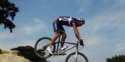 Tire, Bicycle frame, Wheel, Bicycle wheel, Bicycle tire, Bicycle fork, Mountain bike, Bicycle, Recreation, Bicycle wheel rim,