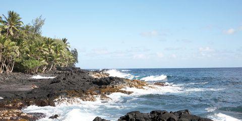 Body of water, Coastal and oceanic landforms, Coast, Rock, Water, Ocean, Shore, Fluid, Sea, Wave,