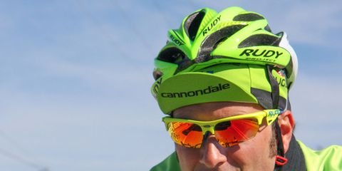 Eyewear, Vision care, Glasses, Goggles, Personal protective equipment, Outerwear, Bicycle clothing, Sunglasses, Winter, Jacket,