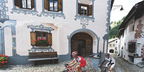 Bicycle tire, Bicycle frame, Bicycle wheel, Bicycle wheel rim, Bicycle fork, Window, Bicycles--Equipment and supplies, Bicycle handlebar, Bicycle part, Bicycle helmet,