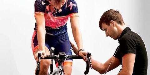 Tire, Bicycle frame, Wheel, Bicycle wheel, Bicycle tire, Bicycle wheel rim, Bicycle handlebar, Bicycle part, Bicycle, Land vehicle,