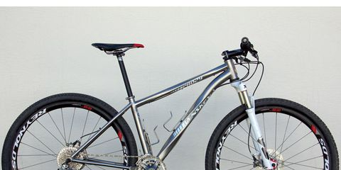 Bicycle tire, Bicycle frame, Tire, Bicycle wheel, Wheel, Bicycle wheel rim, Bicycle fork, Bicycle part, Bicycle saddle, Bicycle handlebar,