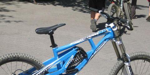 Wheel, Tire, Bicycle tire, Bicycle wheel rim, Bicycle wheel, Bicycle frame, Bicycle fork, Bicycle, Crankset, Bicycle stem,
