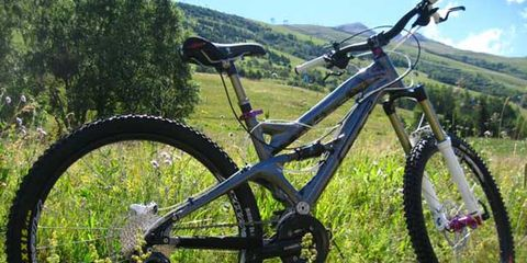 Bicycle tire, Bicycle frame, Tire, Wheel, Bicycle wheel rim, Bicycle fork, Bicycle wheel, Bicycle part, Bicycle stem, Spoke,