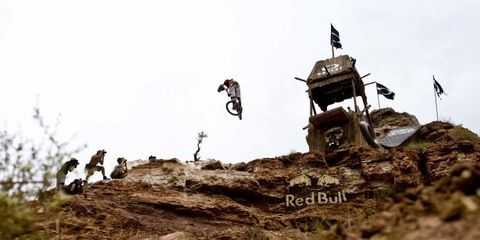 Soil, Slope, Motocross, Extreme sport, Outcrop, Mountain biking, Stunt performer, Enduro, Freestyle motocross,