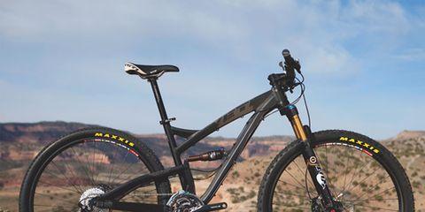 Bicycle tire, Tire, Bicycle frame, Bicycle wheel, Wheel, Bicycle wheel rim, Bicycle fork, Bicycle part, Bicycle stem, Bicycle handlebar,