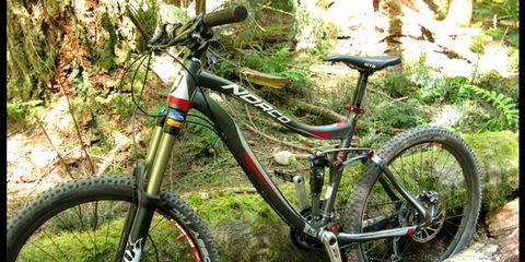 Bicycle tire, Bicycle frame, Tire, Wheel, Bicycle wheel rim, Bicycle wheel, Bicycle fork, Bicycle part, Bicycle saddle, Bicycle stem,
