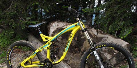 Bicycle tire, Bicycle frame, Bicycle wheel, Tire, Wheel, Bicycle wheel rim, Bicycle fork, Mountain bike, Bicycle part, Spoke,
