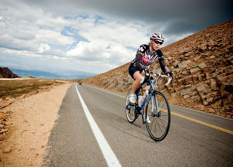 Cycling to the Summit of Pikes Peak
