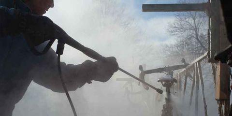 Branch, Atmospheric phenomenon, Twig, Freezing, Fog, Safety glove, Haze, Snow, Adventure, Mist,
