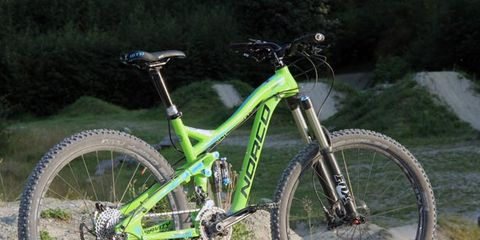 Bicycle tire, Tire, Bicycle frame, Bicycle wheel, Bicycle wheel rim, Wheel, Bicycle fork, Bicycle part, Spoke, Bicycle stem,