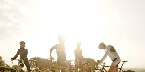 Tire, Bicycle tire, Wheel, Bicycle wheel, Bicycle frame, Bicycle wheel rim, Bicycle handlebar, Bicycle fork, Bicycle, Bicycle part,