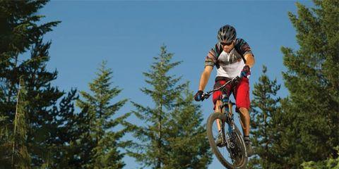 Clothing, Tire, Wheel, Bicycle wheel, Bicycle frame, Mountain bike, Mountain biking, Downhill mountain biking, Helmet, Bicycle helmet,