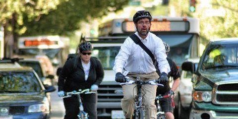 Wheel, Mode of transport, Bicycle wheel, Land vehicle, Bicycle tire, Bicycle frame, Vehicle, Bicycle, Bicycle wheel rim, Grille,