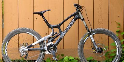 Bicycle tire, Bicycle wheel, Tire, Bicycle wheel rim, Wheel, Bicycle frame, Bicycle fork, Bicycle part, Bicycle, Spoke,