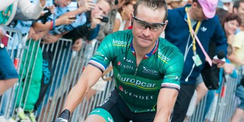 Eyewear, Arm, Vision care, Glasses, Bicycle handlebar, Bicycles--Equipment and supplies, Jersey, Bicycle clothing, Recreation, Goggles,