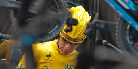 Yellow, Sports uniform, Helmet, Jersey, Sportswear, Sports gear, Bicycles--Equipment and supplies, Personal protective equipment, Bicycle helmet, Headgear,