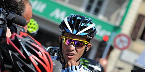 Eyewear, Vision care, Helmet, Bicycles--Equipment and supplies, Bicycle helmet, Sportswear, Sports gear, Personal protective equipment, Endurance sports, Jersey,