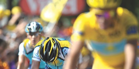 Eyewear, Bicycles--Equipment and supplies, Bicycle jersey, Bicycle handlebar, Bicycle helmet, Helmet, Yellow, Sportswear, Sports uniform, Bicycle racing,