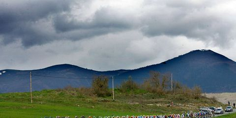 Mountainous landforms, Mountain range, Highland, Cloud, Hill, Landscape, Grassland, Plain, Mountain, Hill station,