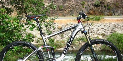 Bicycle tire, Bicycle wheel, Tire, Bicycle wheel rim, Bicycle frame, Bicycle fork, Bicycle part, Bicycle stem, Bicycle handlebar, Spoke,
